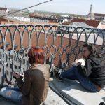 Urban Sketchers Augsburg: Laura und Claudia auf dem Dach